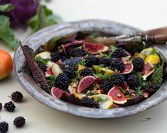 Salat med rødbeder og brombær og friske figner. En skøn, fyldig og velsmagende salat, der kan…