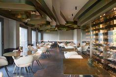 Iluminación del restaurante Callizo en Huesca. El proyecto de iluminación de restaurante del que te hablaremos en este post, es uno de los retos más interesantes que en Avanluce hemos afrontado en los últimos meses, tanto por su complejidad técnica como estética. Situado en Aínsa, en la provi…