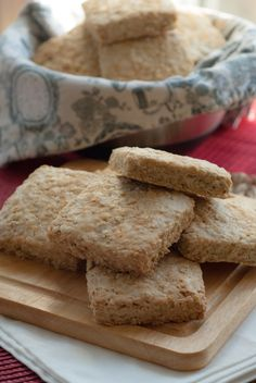 Although oatcakes are more of a Scottish thing, they were brought to Canada by Scottish immigrants and seemed to have found a home in most parts of Nova Scotia. If you head into pretty much any cof… Breakfast Recipes, Dessert Recipes, Canadian Food, Canadian Recipes, Vegan Recipes, Cooking Recipes, Free Recipes, Cookie Desserts, Baking Desserts