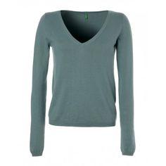 Long-sleeved V neck sweater, solid colour viscose/cotton blend.