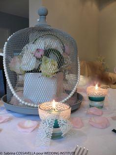 Vous souhaitez habiller et tout simplement personnaliser de façon originale votre coiffure de mariage pourquoi ne pas opter pour une couronne de fleurs fraîches? Actuellement les couronnes de fleurs de mariage ont le vent en poupe pourtant comme bien souvent dans le monde de la mode cette idée est loin d'être nouvelle. Les auréoles de fleurs fraîches... En apprendre plus @ http://www.yesidomariage.com/coiffure/coiffure-de-mariage-quoi-de-plus-frais-et-tendance-quune-couronne-de-fleurs/