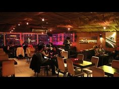 Deutsche Dialoge - Im Cafe « L E A R N G E R M A N