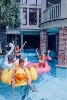 Summer Pictures With BFF Friendship Goals Photos Bff, Best Friend Photos, Best Friend Goals, Friend Pics, Summer Feeling, Summer Vibes, Sommer Pool Party, Cute Friend Pictures, Summer Goals