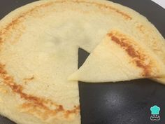 Aprenda a preparar pão de queijo de frigideira com polvilho doce com esta excelente e fácil receita. Você está com muita vontade de comer pão de queijo, mas só de...