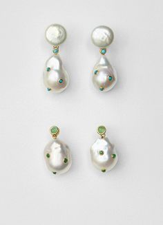 Celine Baroque Simple Earrings in Cultured Pearls, Green Agate, and Gold Brass Pearl Jewelry, Pearl Earrings, Drop Earrings, Pearl Beads, Silver Earrings, Modern Jewelry, Fine Jewelry, Jewellery, Celine Earrings