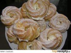 Věnečky mojí maminky Czech Recipes, Oreo Cupcakes, Food Design, Bagel, Doughnut, Nutella, Food And Drink, Bread, Baking