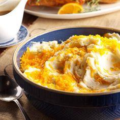 Sour Cream & Chives Mashed Potatoes - Taste of Home Potato Pie, Potato Dishes, Potato Recipes, Rice Dishes, Main Dishes, Creamed Potatoes, Mashed Potatoes, Sour Cream Pancakes, Taste Of Home