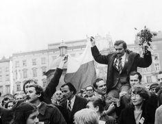 New #Polish #government brands Lech Walesa a #traitor...