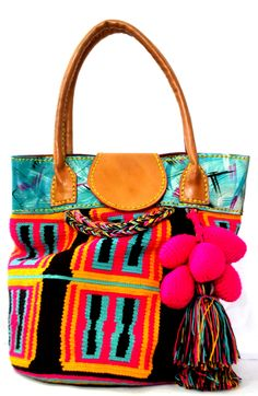 Beautiful Wayuu bags Price: $227.78   Item: CB-006  www.orchidhua.com   Email: sales@orchidhua.com