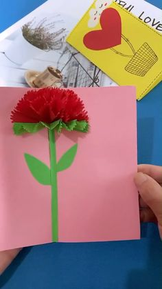 A simple tutorial to show you how to DIY Paper Flower Greeting. Informations About DIY Paper Flowe Paper Flowers Craft, Paper Crafts Origami, Diy Paper, Paper Crafting, Fabric Flowers, Diy Crafts Hacks, Diy Arts And Crafts, Diy Crafts For Kids, Origami Rose