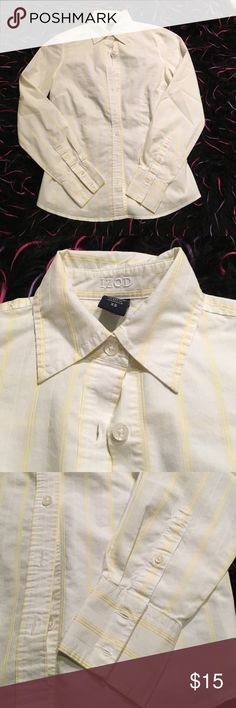 Button top IZOD top Cotton button down top. Pattern is white with yellow stripes. Hardly worn. No damage Izod Tops Button Down Shirts