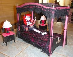 monster high bedroom doll set | Monster High Custom Canopy Bed set for Operetta, drop dead dolls.House ...