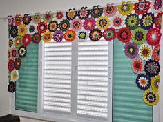 Cantinho da Pati Asai: Minha cortina de flores para meu Ateliê