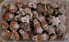 Gingerbread Houses, Christmas Cookies, Biscuits, Holiday Decor, Art, Xmas Cookies, Crack Crackers, Art Background, Cookies
