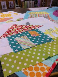 Material Girls Quilts: Come build your own neighborhood House Quilt Patterns, House Quilt Block, House Quilts, Fabric Houses, Quilt Block Patterns, Quilt Blocks, Quilt Stitching, Applique Quilts, Easy Quilts
