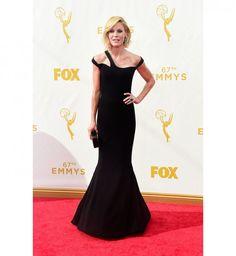 Julie Bowen #Red Carpet #Dress #Emmys #Fashion #HauteCouture #Modern Family