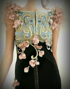 Beautiful dress with pearl embrodery