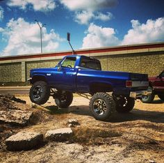 Def wanna paint my 87 this color when I'm done restoring it. In love!!! <3