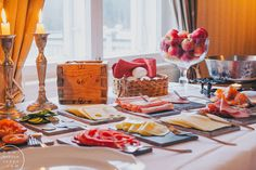 Westerby Gård / Hannan soppa/  Vacker frukost #Finland Creme Brulee, Andalusia, Finland, Table Settings, Dairy, Coast, Cheese, Food, Essen