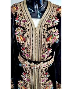 Moroccan caftan with embroidery Moroccan Caftan, Caftan Dress, Embroidery Dress, Hijab Fashion, Fashion Dresses, African Dress, Pakistani Dresses, Traditional Dresses, Kaftans
