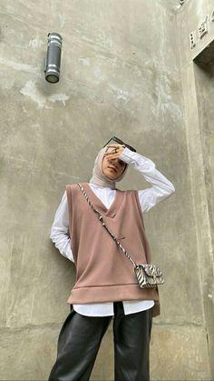 Hijab Fashion Summer, Modest Fashion Hijab, Modern Hijab Fashion, Street Hijab Fashion, Hijab Fashion Inspiration, Muslim Fashion, Korean Fashion, Fashion Outfits, Stylish Hijab