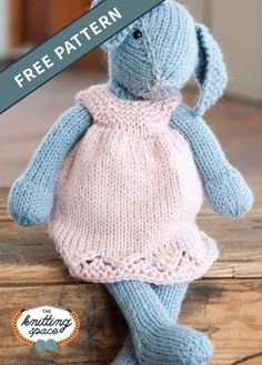 Knit Lizzie Rabbit And Dress [FREE Knitting Pattern].Create this adorable knitted bunny doll named Lizzie and make her your little one's new friend! This pattern also includes a dress for Lizzie. Knitted Dolls Free, Knitted Bunnies, Knitted Teddy Bear, Knitted Animals, Crochet Toys, Crochet Bear, Baby Knitting Patterns, Knitted Doll Patterns, Doll Patterns Free