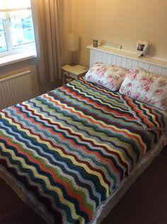 Zig Zag Crochet, Crochet Bedspread, Beautiful Crochet, Crochet Designs, Bed Spreads, Bed Sheets, Fancy, Comforters, Blanket