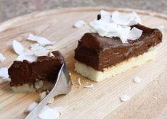Nepečená čokoládovo kokosová torta bez cukru