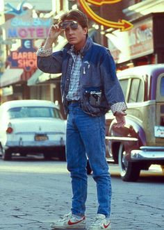 Michael J. Fox as Marty McFly - Dakota Cassidy has nick named me Marty McFly for my fast driving. Michael J Fox, Iconic Movies, Old Movies, Great Movies, Back To The 80's, Back To The Future, Nike Air Mag, Bttf, 80s Aesthetic