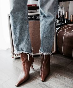 Stepping towards Fall in the fit. Stepping towards Fall in the fit. Cool Summer Outfits, Girly Outfits, Grunge Outfits, 90s Fashion, Urban Fashion, Womens Fashion, Fashion Trends, Fashion Styles, Minimalist Shoes