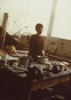 Eva Hesse in her studio