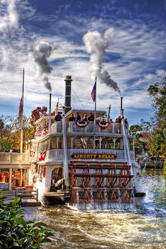 Mark Twain... I remember going on this when I was little..... Good memories of my dad.