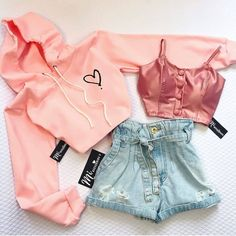 HacksFeed offers users a comprehensive set of features that allows them to enjoy getting information, Hacks, Shopping and also offers entertaining Quizzes. Cute Comfy Outfits, Cute Girl Outfits, Cute Summer Outfits, Pretty Outfits, Stylish Outfits, Cool Outfits, Teenage Outfits, Teen Fashion Outfits, Fashion Week