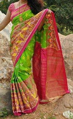 Pochampally Ikkat Pure Silk Saree Parrot Green, Pallu Pink