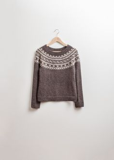 """Pattern by Brooklyn Tweed - """"Sundottir"""" Fitted Icelandic Pullover Fair Isle Knitting, Hand Knitting, Knitting Patterns, Knitting Ideas, Brooklyn Tweed, Icelandic Sweaters, Country Wear, How To Purl Knit, Raglan"""
