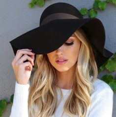 Image via We Heart It https://weheartit.com/entry/142052903/via/2282292 #accessories #beauty #black #blackandwhite #blonde #curls #eyeshadow #fashion #floppyhat #girly #glamour #gorg #hair #hairstyle #hat #jewelry #lipstick #makeup #makeup #manicure #mascara #model #nailart #nails #natural #pink #shirt #style #waves #white