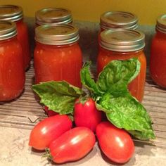Basil-Garlic Tomato Sauce | Recipes for Tomato Sauce | Ball® Preserving