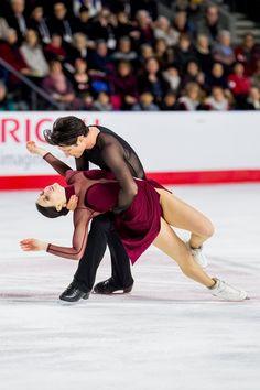 Tessa Virtue and Scott Moir Virtue And Moir, Tessa Virtue Scott Moir, Ice Skating, Figure Skating, Skates, Ballet, Male Figure Skaters, Tessa And Scott, Olympic Athletes