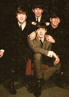 John Lennon, George Harrison, Richard Starkey, and Paul McCartney Foto Beatles, Beatles Love, Les Beatles, John Lennon Beatles, Beatles Photos, Beatles Poster, Beatles Band, Great Bands, Cool Bands