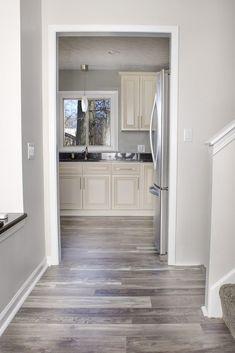 Interior: Traditional Artisan Grey Laminate Flooring Also Laminate Flooring For Grey Walls from 5 Tips in Choosing Grey Laminate Flooring For Your Home Home Design Decor, Küchen Design, Floor Design, Design Ideas, Grey Wood Floors, Grey Flooring, Wood Parquet, Tile Flooring, Painted Floors