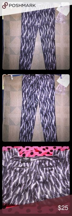 Worthington modern fit size 4 ankle length pants Worthington size 4 ankle length, adorable and very soft feel pants, mini ink brush leaf, brand new with tags🚬🐱🏡💖I will accept any reasonable offers💖 Worthington Pants Ankle & Cropped