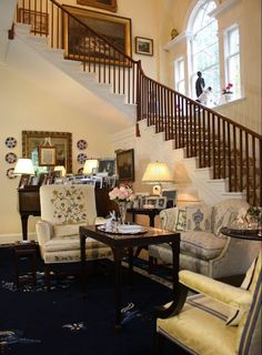 Holly Holden, author of The Pretty & Proper Living Room, 'cracks the code' for creating graceful interiors mixing British understatement & Southern charm. Graceful, Genteel and Timeless: The Pretty and Proper Living Room. Hadley Court Interior Design blog