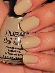 nude nails <3