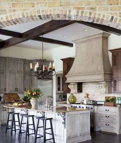 Best French Country Kitchen Design & Decor Ideas 18 Source by casavidaco decor ideas country french French Country Dining Room, French Country Kitchens, French Country House, French Country Decorating, Country Kitchen Flooring, Country Kitchen Designs, Country Style Homes, Country Furniture, Cuisines Design