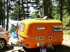 We had a boler trailer very similar to this that I loved to go camping in! Scamp Trailer, Tiny Trailers, Vintage Campers Trailers, Vintage Caravans, Camper Trailers, Small Caravans, Retro Campers, Retro Caravan, Camper Caravan