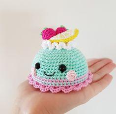Pastry amigurumi pattern by Super Cute Design