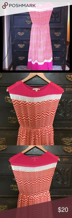 🎉SALE🌺 Chevron Striped Summer Dress Pink borders and soft orange chevron stripes light up this dress. The top is semi shirt, it's lightweight and cool - perfect for summer parties. The waist is cinched with a faux drawstring to bring in the waist and shape this up. EUC.   |✅25% Off Bundles| |✅Questions Welcomed| |✅Reasonable Offers| |⛔️Trades| |⛔️Offline Transactions| |Thrift is Sexy 💋👠 Speechless Dresses