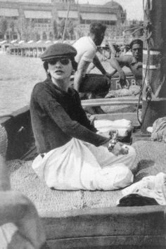 COCO #CHANEL CAUGHT IN RARE CASUAL CHIC