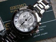Giải Mã Sức Hút Của Đồng Hồ Seiko Với hơn 130 năm kinh nghiệm, đồng hồ Seiko trở thành thương hiệu lâu đời và nổi tiếng nhất Nhật Bản cũng như Thế giới. Với những bộ máy vững chắc, thăng hoa bởi những thiết kế, đi cùng xu hướng cùng những dấu ấn riêng biệt chính là nơi mà những chiếc đồng hồ Seiko khẳng định chính mình và mang đến phong cách cho chính bạn.