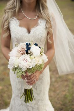 blush and navy bouquet | Stephanie A Smith Photography | Glamour & Grace